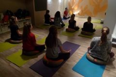 Delavnica joge za mladostnike Pot joge april 2017