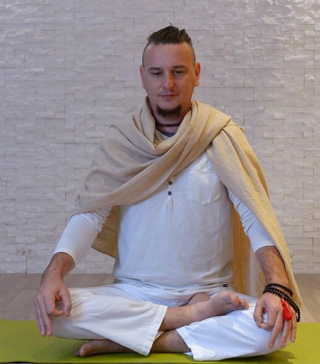 Tečaj joge z Dejanom – dnevi odprtih vrat