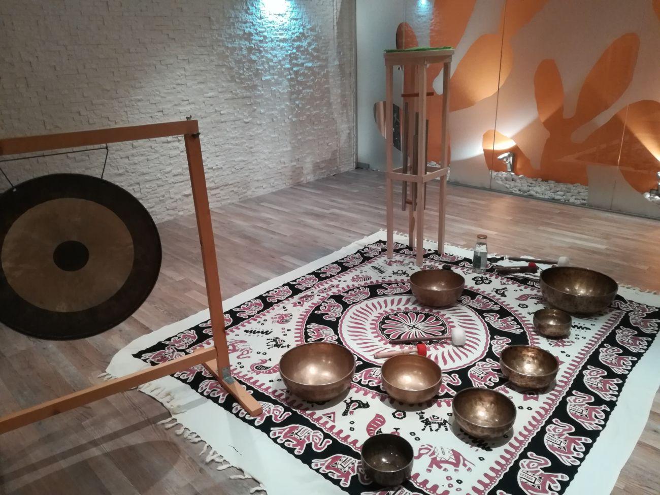Zvočna kopel s tibetanskimi posodicami in gongom (petek, 15.2.)