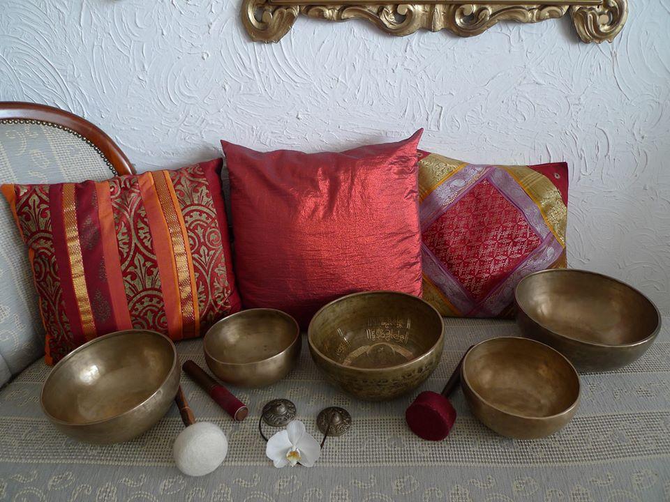 Kako igrati na tibetanske pojoče posode (nedelja, 13.9.)